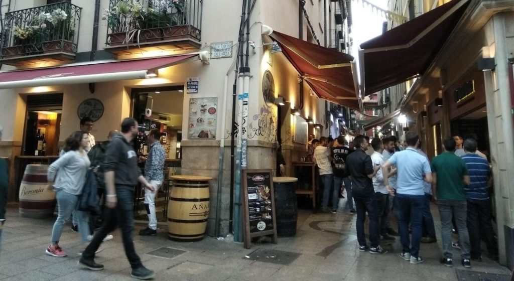 Calle Laurel in Logroño and its tapas bars.