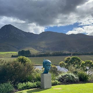 Lake & moutains, Creation Wines